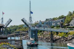 Voetgangersbrug in Perkins Cove Ogunquit, Maine stock foto's