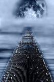 Voetgangersbrug voor de maan Stock Afbeelding