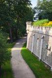 Voetpad rond nad Vltavou van Kasteelhluboka De Ochtend van de zomer Tsjechische Republiek Royalty-vrije Stock Fotografie