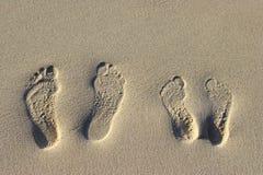 Voetstappen op het zand Royalty-vrije Stock Foto's