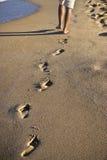 Voetstappen op het zand Stock Foto's