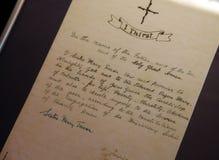 Voeux de Mère Teresa écrits dans sa main Photo stock