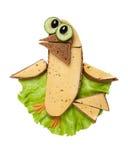 Vogel gemacht vom Brot, vom Salat und vom Käse Stockbild