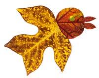 Vogel gemacht vom Herbstlaub Stockfotografie