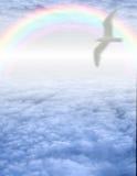 Vogel in rustige cloudscape Royalty-vrije Stock Afbeeldingen