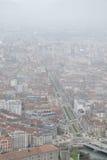 Vogelaugenansicht der Stadt von Grenoble, Frankreich, im Winter stockbild