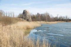Vogelbeobachtungsplatz und alte Mühlen, Lettland 2018 Lizenzfreie Stockbilder