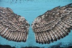 Vogelflügelwandgemälde in der Gasse, Corvallis, Oregon lizenzfreie stockfotos