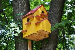 Vogelhuis met meerdere gezinnen Royalty-vrije Stock Afbeeldingen