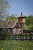 Vogelhuis in polshdorp Royalty-vrije Stock Foto's
