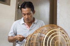 Vogelkäfighersteller Lizenzfreie Stockfotografie