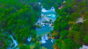 Vogelperspectief van Kroatië, Europa; De waterval van Kuangsi: De schoonheid van aard royalty-vrije stock fotografie
