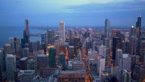 Vogelperspektive über Chicago bis zum Nacht stock footage