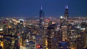 Vogelperspektive über Chicago bis zum Nacht stock video footage