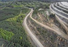 Vogelperspektive über der Baumaterial-Verarbeitungsfabrik Sand Stockbild