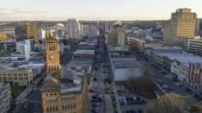 Vogelperspektive über im Stadtzentrum gelegenem Tacoma Washington Broadway Market Streets lizenzfreies stockfoto