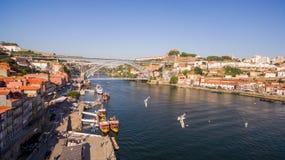 Vogelperspektive über Porto-` s alter Stadt, Ribeira-, Duoro-Fluss und der Brücke Porto-Brücke Luiz I, am 17. Mai 2017 Stockfotos