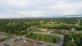 Vogelperspektive über Silicon Valley Mountain View und Vorstadthäuser bei Sonnenuntergang 4k stock video footage