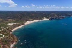 Vogelperspektive Amado Beachs u. des x28; Praia tun Amado& x29; in Algarve Portugal Stockfotos