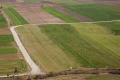 Vogelperspektive auf bunten Feldern - Serbien. Lizenzfreie Stockfotos