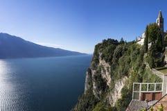 Vogelperspektive auf dem See Garda stockfotos