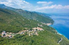 Vogelperspektive auf der Bucht Italien Stockbilder