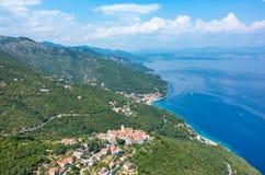Vogelperspektive auf der Bucht Italien Stockfotos