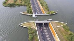 Vogelperspektive auf einem schiffbaren Aquädukt Lizenzfreie Stockfotografie