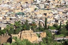 Vogelperspektive auf Medina von Fez hinter der Festungswand, Marokko Stockfoto