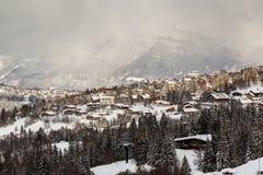 Vogelperspektive auf Ski Resort Megeve in den französischen Alpen Stockbild