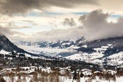 Vogelperspektive auf Ski Resort Megeve in den französischen Alpen Lizenzfreie Stockbilder