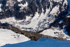Vogelperspektive auf Ski Resort Megeve in den französischen Alpen Lizenzfreies Stockbild