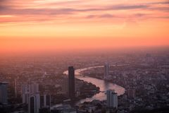 Vogelperspektive-Bangkok-Skyline von Mahanakorn-Geb?ude in Bangkok, Thailand stockfotografie