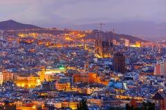 Vogelperspektive Barcelona nachts, Katalonien, Spanien lizenzfreies stockfoto