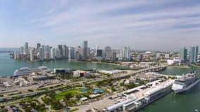 Vogelperspektive Bayfront-Park im Stadtzentrum gelegenes Miami stock video