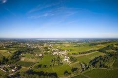 Vogelperspektive, Bordeauxweinberg, Landschaftsweinbergsüden westlich von Frankreich stockbild