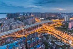 Vogelperspektive der Überführung in Wuhan, Porzellan lizenzfreie stockfotos