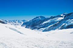 Vogelperspektive der Alpenberge in der Schweiz Stockfotos