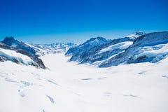 Vogelperspektive der Alpenberge in der Schweiz Lizenzfreies Stockbild