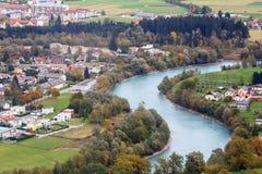 Vogelperspektive der alpinen Stadt von Spittal ein der Drau, Österreich Lizenzfreie Stockfotos