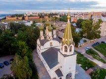 Vogelperspektive an der Annahme der gesegneten Jungfrau Mary Church, Nizhny Novgorod lizenzfreies stockbild