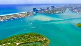 Vogelperspektive der Bootfahrt im Miami Beach Florida Stockbilder