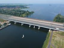 Vogelperspektive der Brücke `` Hollandse Brug `` der Landstraße A6 Lizenzfreie Stockbilder