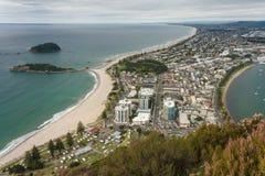 Vogelperspektive der Bucht von viel mit Tauranga-Stadt Stockfotos