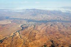 Vogelperspektive der felsigen Landschaft in Cappadocia stockfotos
