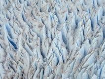 Vogelperspektive der Gletscherspalte des Gletschers lizenzfreies stockfoto