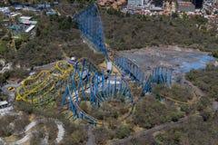 Vogelperspektive der großen Achterbahn Stockbilder