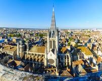 Vogelperspektive der historischen Mitte von Dijon stockbilder