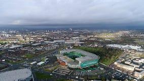 Vogelperspektive der keltischen Stadions-Fußball-Arena des Park-FC in Glasgow Stockbilder