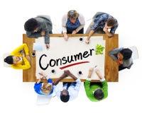 Vogelperspektive der multiethnischen Gruppe mit Verbraucher-Konzept stockfotografie